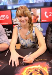 Jennifer Lawrence signing autographs